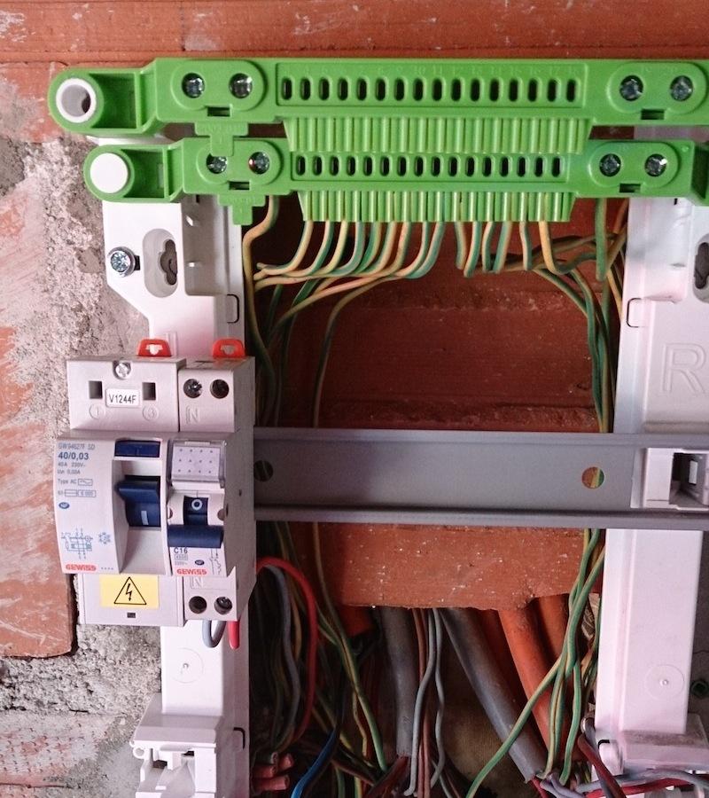 tableau électrique triphasé vétuste: rénovation en 10 étapes - - Combien D Interrupteur Differentiel Dans Une Maison