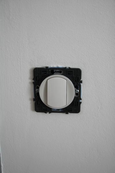 changer d 39 appareillage lectrique legrand celiane boite bbc d 39 encastrement. Black Bedroom Furniture Sets. Home Design Ideas
