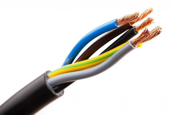 ... fil bleu est obligatoirement le neutre et le fil vert jaune la terre