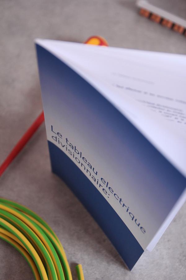 Mon premier livre en lectricit for Mamadou au tableau j y suis deja