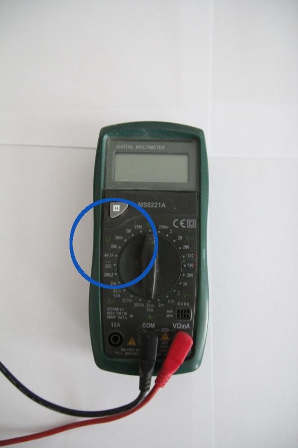 mesure résistance multimètre installation électrique défaut isolement