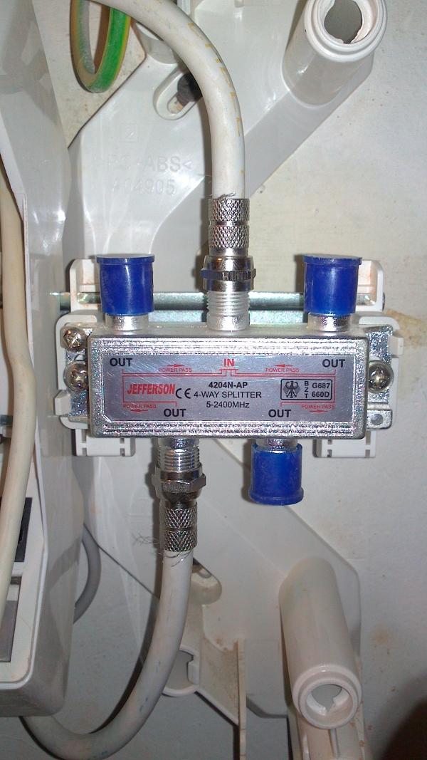 Installer un coffret de communication rj45 grade 3 en image - Branchement antenne tv ...