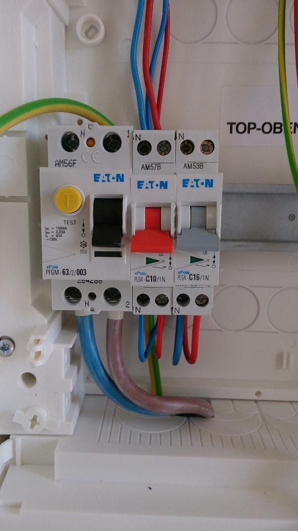branchement des disjoncteurs du tableau électrique divisionnaire