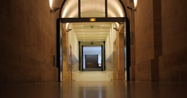 Exemple d'utilisation du télérupteur: le couloir