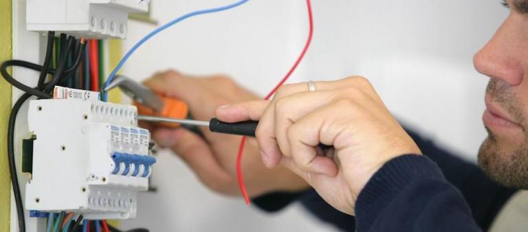 Réaliser le tableau de répartition électrique