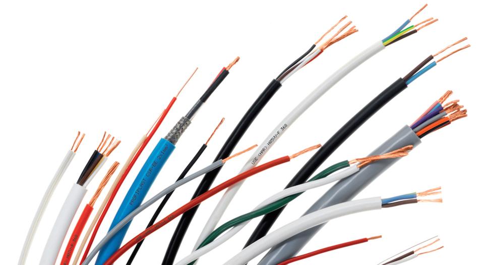 Les outils pour dénuder les fils ou les câbles électriques: pince ...