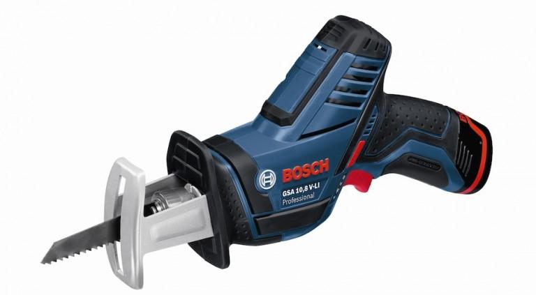 Découpe agile avec la Scie Sabre Bosch GSA 10.8V 2Ah