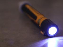 Stylo détecteur de tension