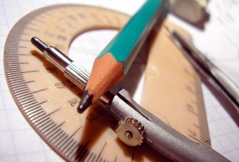 Télémètre Bosch GLM 30, décamètre et mètre ruban: mes outils de mesure indispensables
