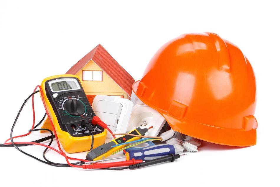 outillage isolé sécurité électrique