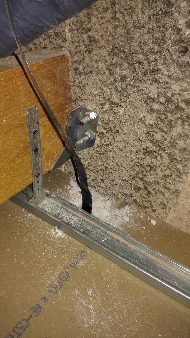 faux plafond sortie aiguille électricien