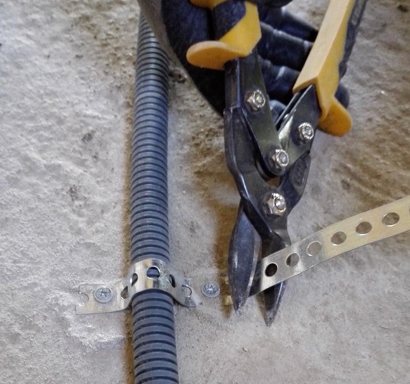 bande perforée electricité passage au sol