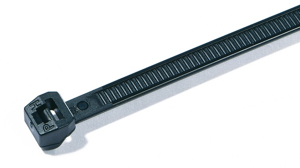 collier fixation PVC tube electrique