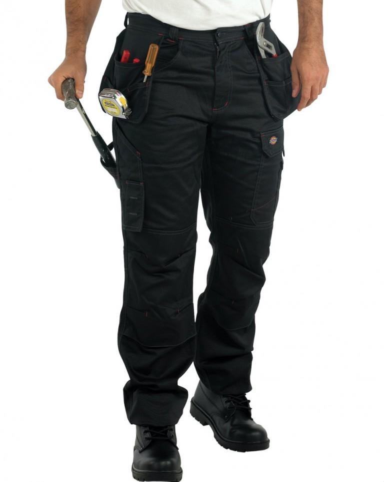 Pantalon de travail, l'électricien s'en met plein les poches