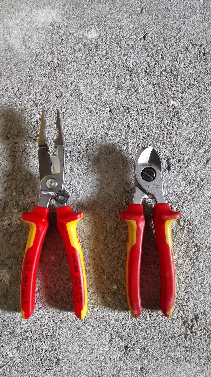 knipex 1396200 vs pince electricien coupante 95 16 65