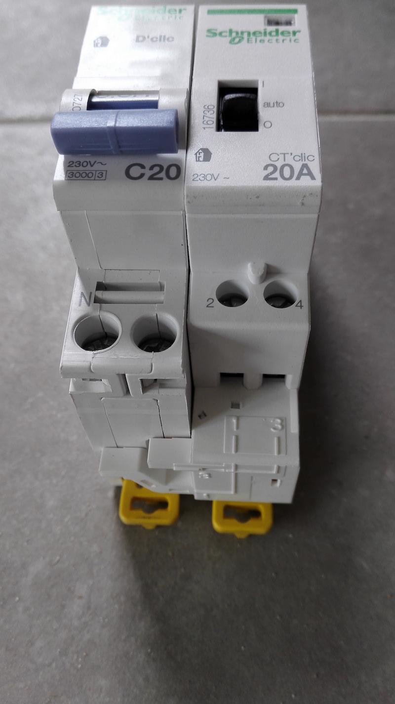 connexion 1-3 2-4 puissance contacteur HP HC schneider 16736