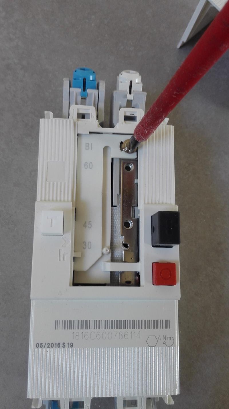 régler le disjoncteur de branchement sur 60A