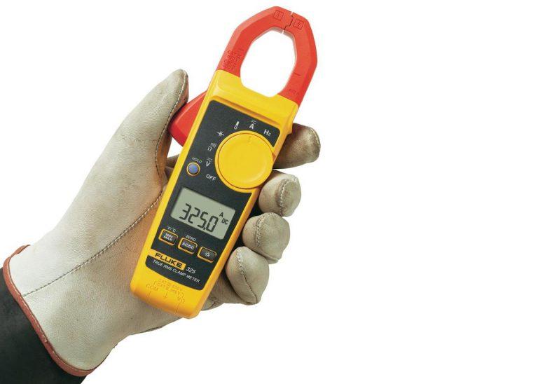 Pince ampèremétrique, un outil de mesure dédié au courant