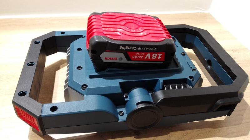batterie 18v Bosch projecteur sur batterie gli
