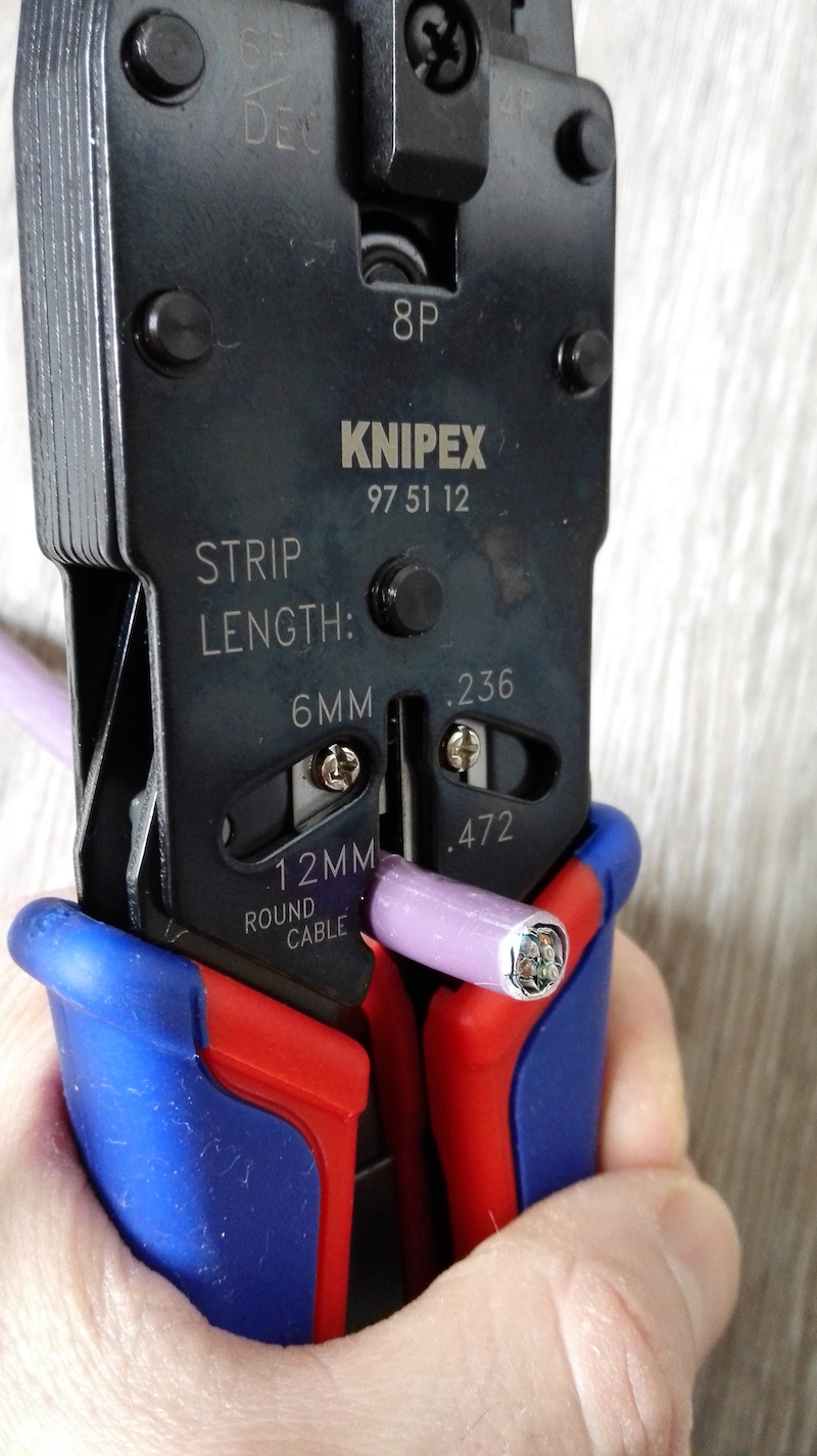 pince sertir rj45 knipex 975112 test de la pince pour le cablage rj45. Black Bedroom Furniture Sets. Home Design Ideas