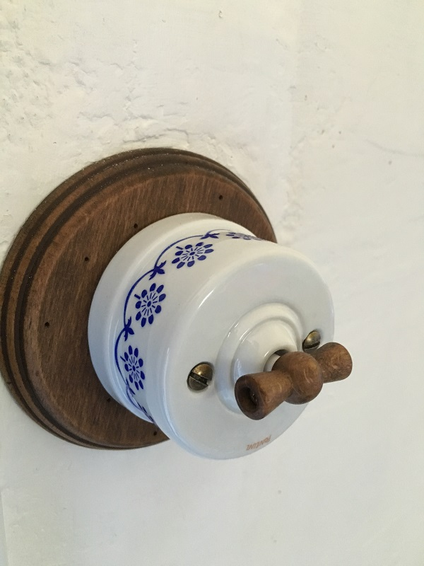 matériel électrique ancien interrupteur porcelaine
