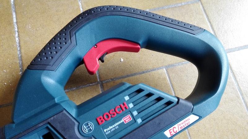 test du modèle Bosch scie sabre GSA 18V32