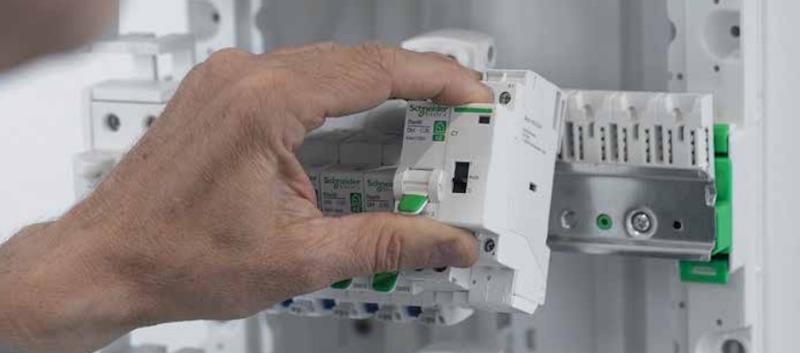 Resi9 répartition peigne électrique XE