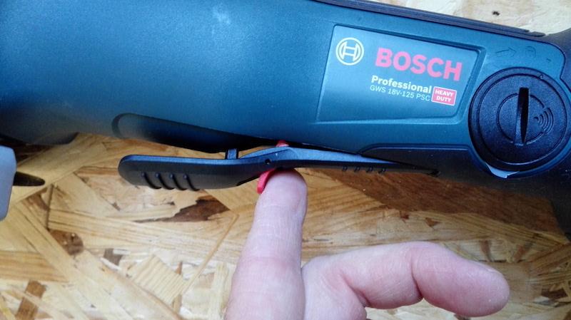 mettre en marche la meuleuse angulaire Bosch GWS PSC 18V-125
