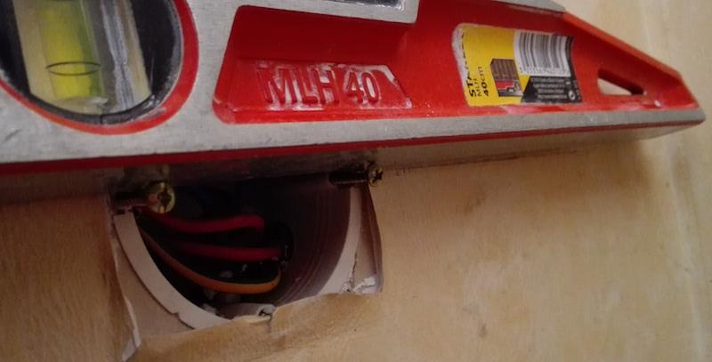 astuce électrique installation d'une prise électrique