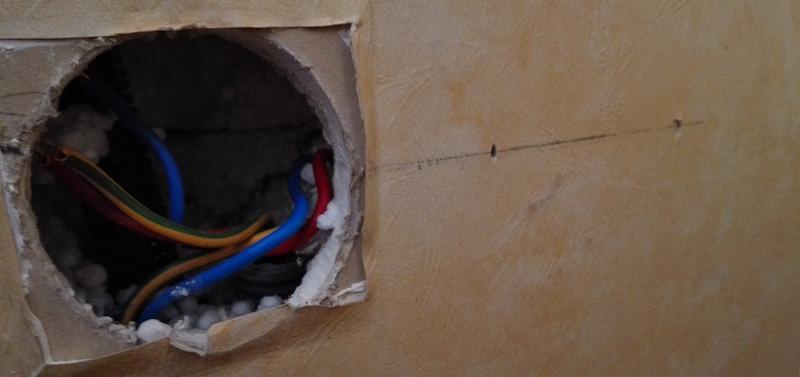 Installation d'une boite d'encastrement triple