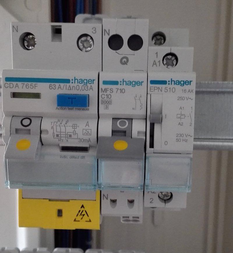 comment cabler un telerupteur modulaire