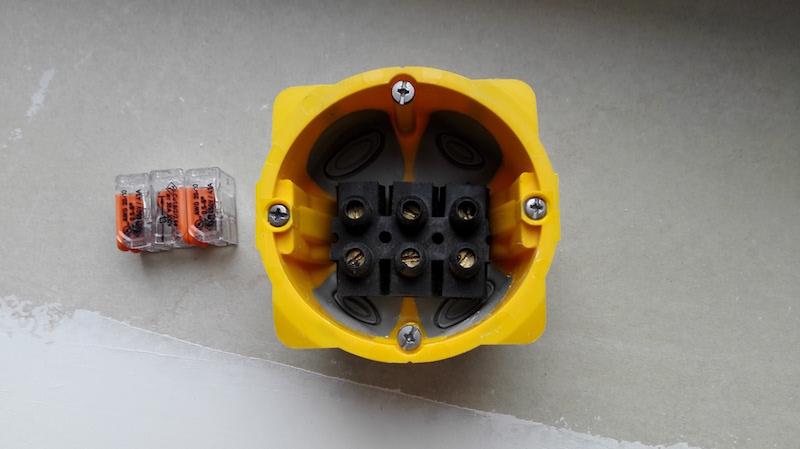 Domino ou wago pour brancher un fil en 6mm2