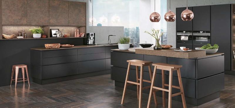appareillage électrique derrière les meubles de cuisine