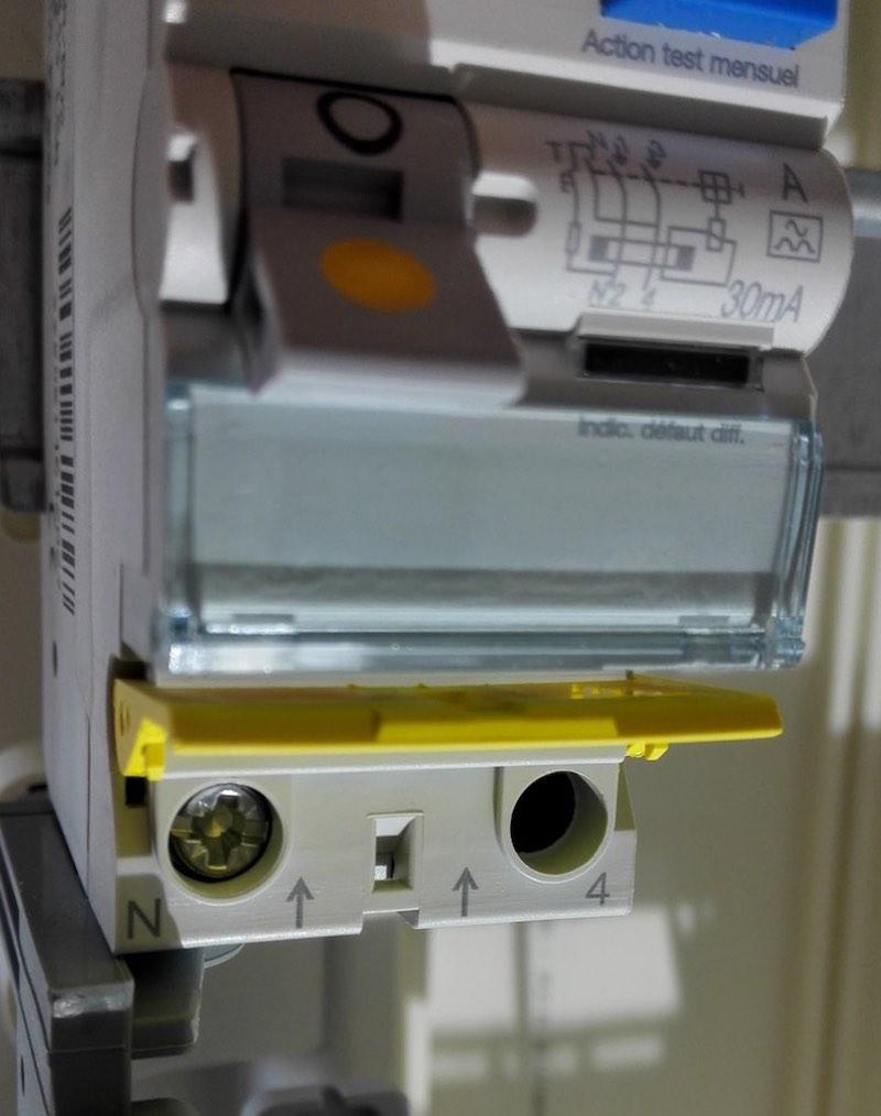 Que faire avant de mettre une installation électrique sous tension