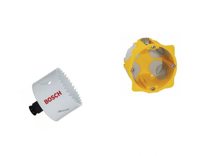 Diamètre de perçage pour une prise électrique: 67 ou 68mm?