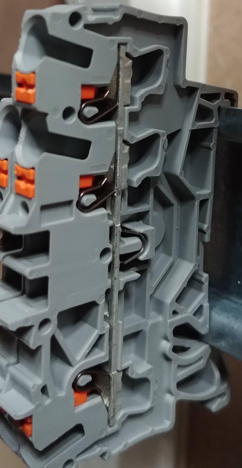 bornier pour tableau électrique viking Wago