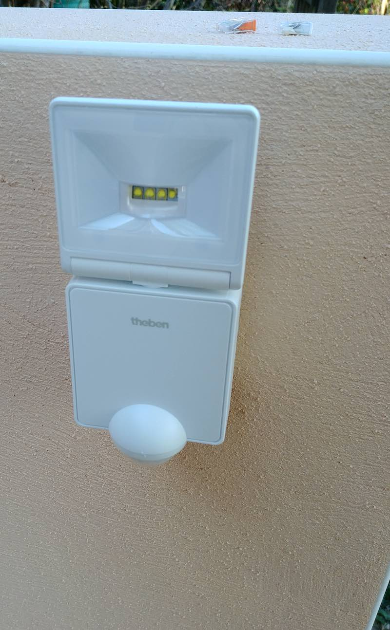 astuce installation Projecteur Led extérieur