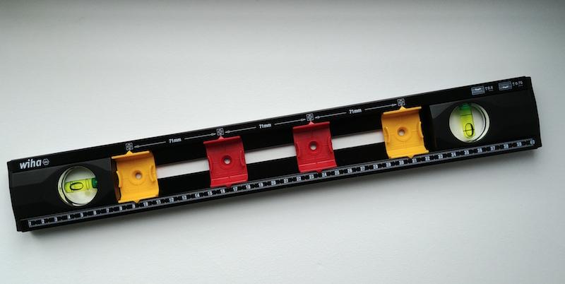 niveau pour électricien wiha pour installer les boites d'encastrement