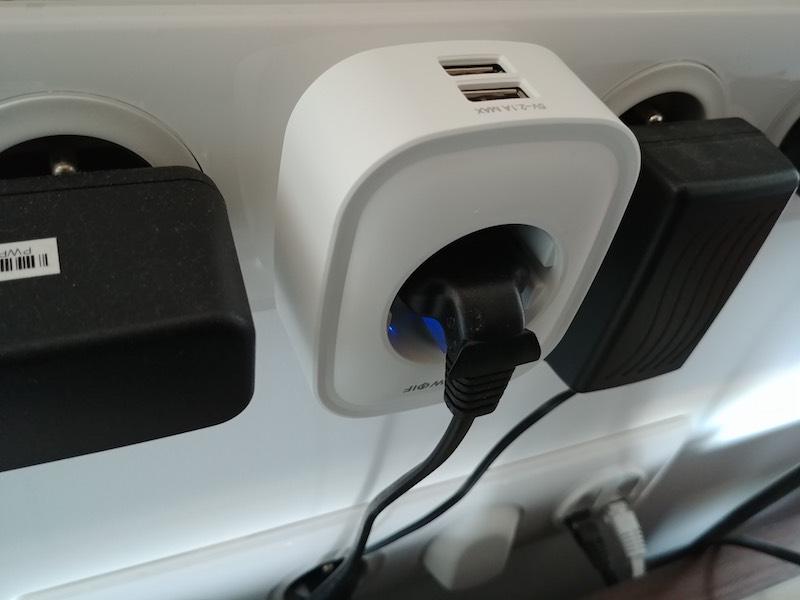 installation électrique connectée à distance avec prise électrique