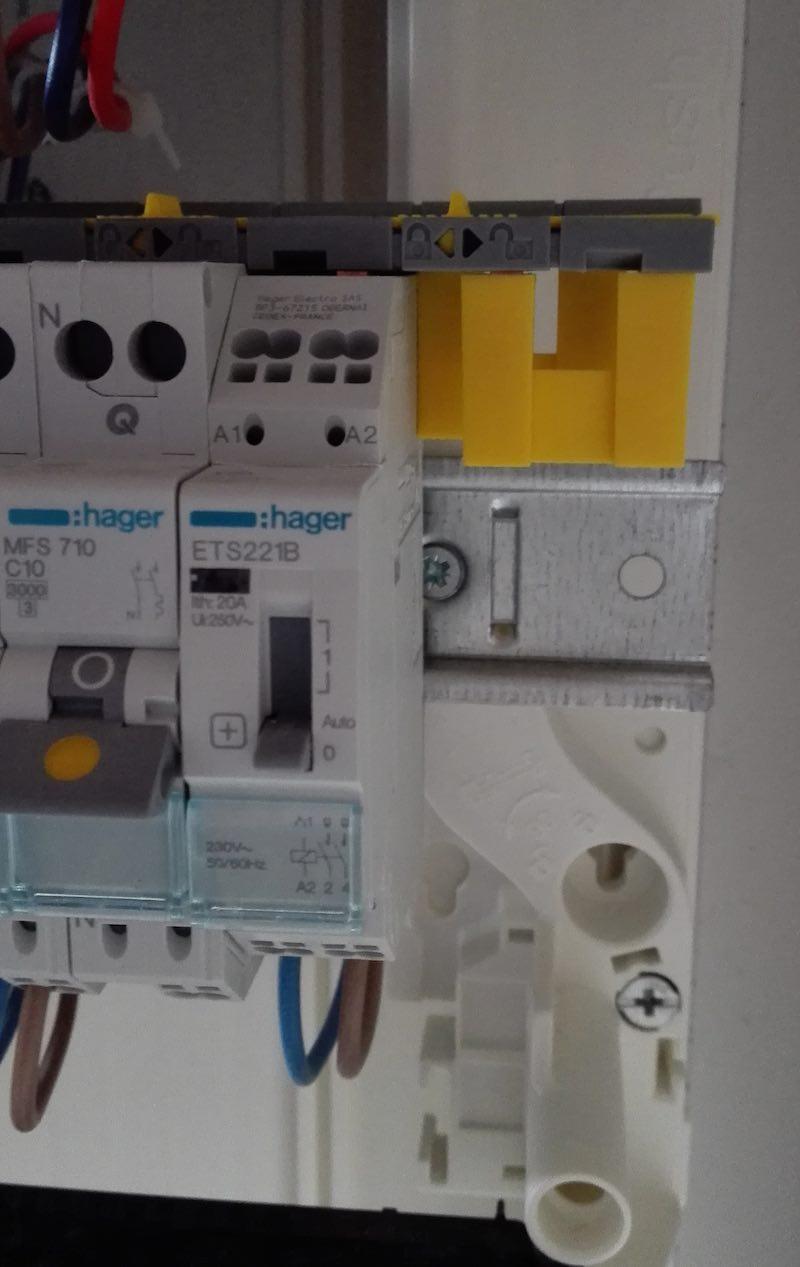 oOu cabler le contacteur jour nuit dans un tableau électrique