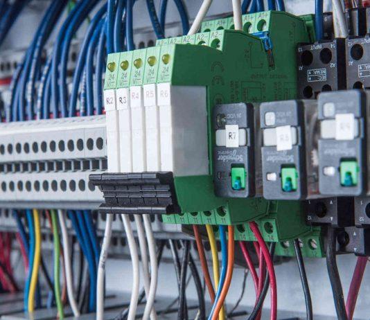 métier tableautier électrique monteur cableur