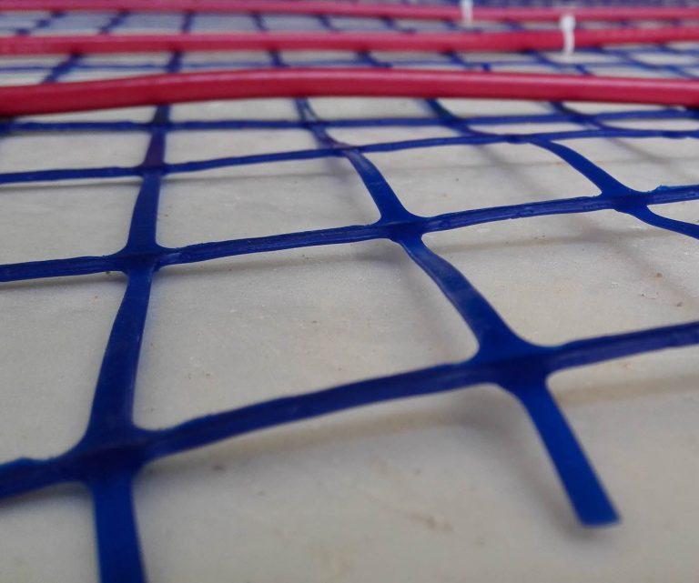 Plancher chauffant électrique: installation et branchement