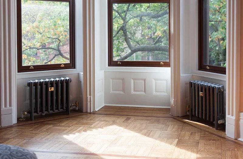 explication radiateur sous les fenêtres